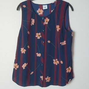 CAbi Flower Row Scroll Top. Size Medium